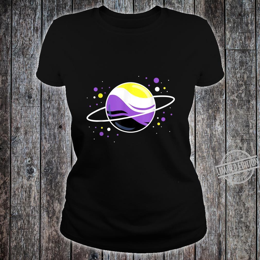 Nonbinärer Planet Nonbinary Pride Shirt ladies tee